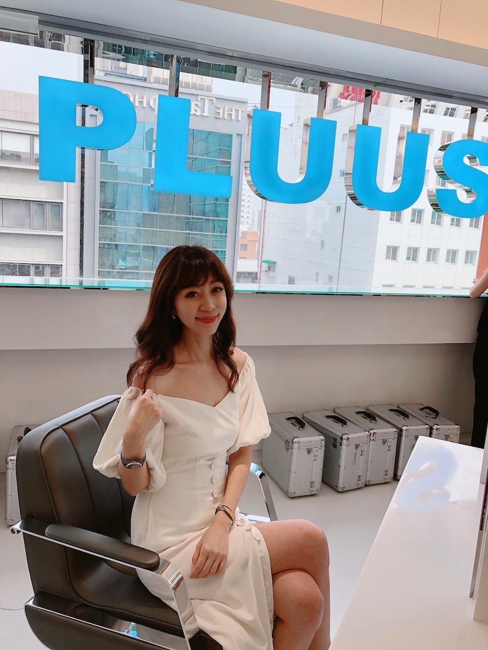 NEW!直擊新開幕 PLUUS中山Hi❤️ 2020 髮型新趨勢就是要捲髮『 PLUUS 魔晶染/燙』 髮質柔亮不受損的新選擇❤️中山站髮廊首選推薦(≧∇≦)/